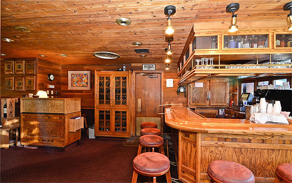 LewMarNel's Steaks and Spirits - Station House Inn Picture